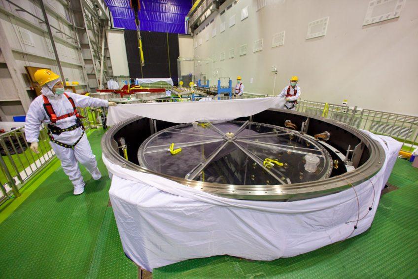 Constructing the detectors of the Daya Bay Reactor Neutrino Experiement